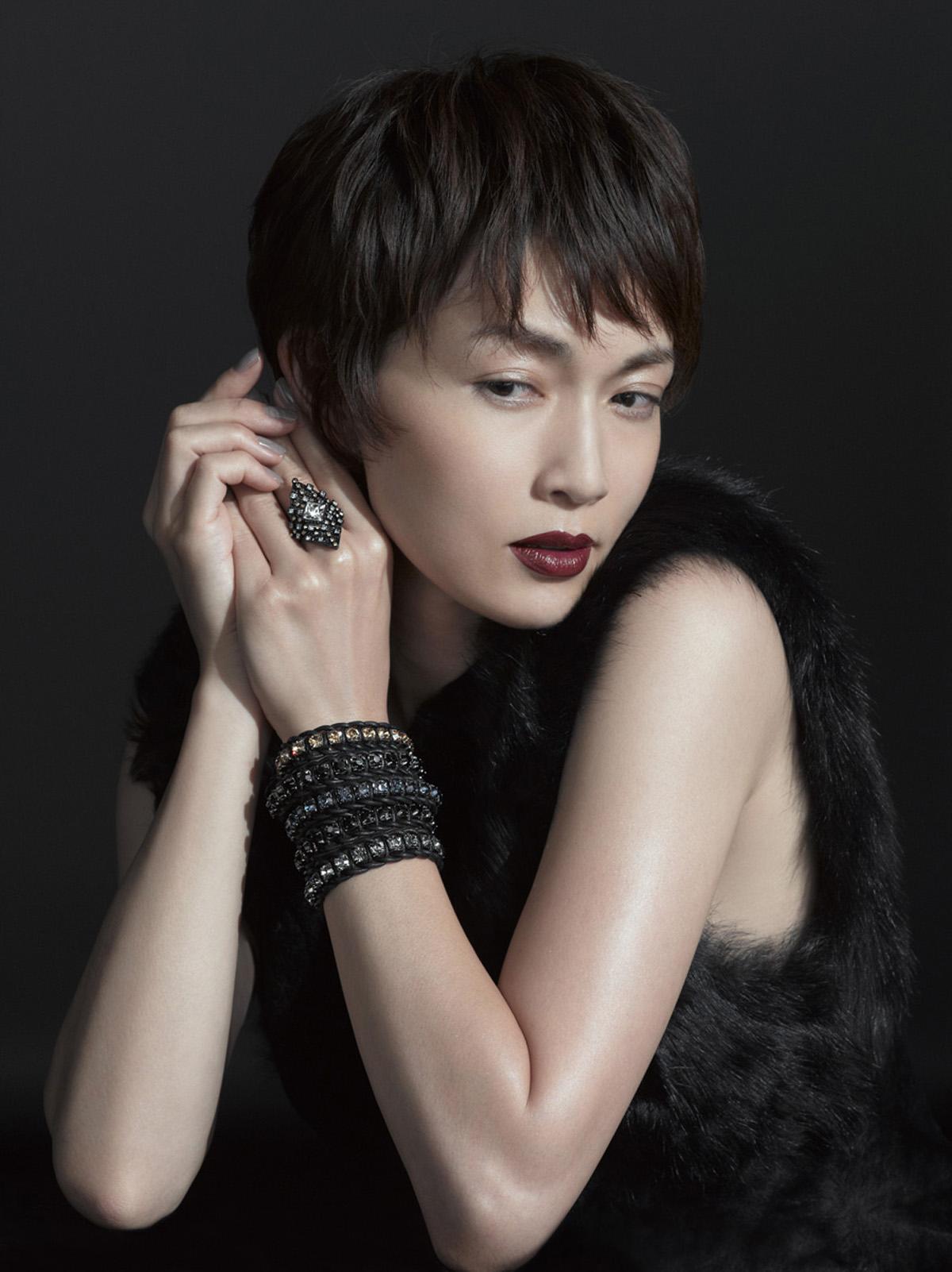 【長谷川京子】前髪が印象的すぎ!?個性的なヘアスタイルは人気!?のサムネイル画像
