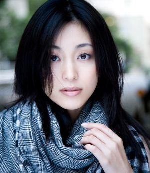 モデル界のCM女王から本格的美人女優となった青山倫子の画像まとめ!のサムネイル画像