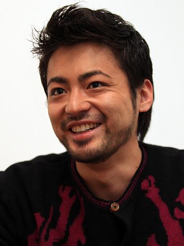 カメレオン俳優、山田孝之の美人と噂の2人のお姉さんとは!?のサムネイル画像