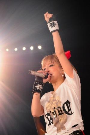 浜崎あゆみのダンサーチームが凄い!注目されている理由に迫る!のサムネイル画像