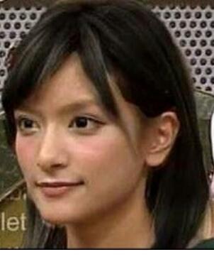 【話題】ローラの黒髪姿がとってもいいと大反響!【イメチェン】のサムネイル画像