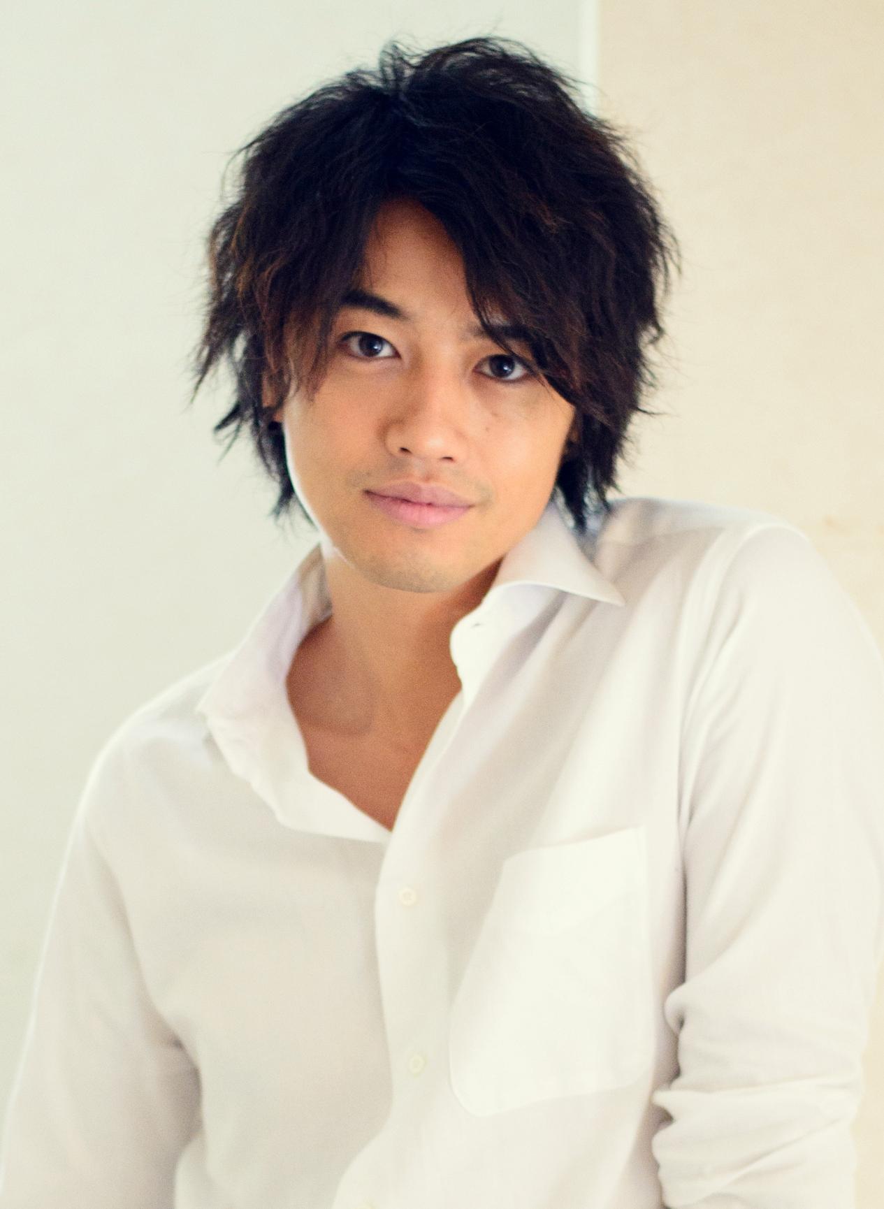 超人気俳優・斎藤工さんが蜷川実花さんとコラボした写真集がすごい!のサムネイル画像