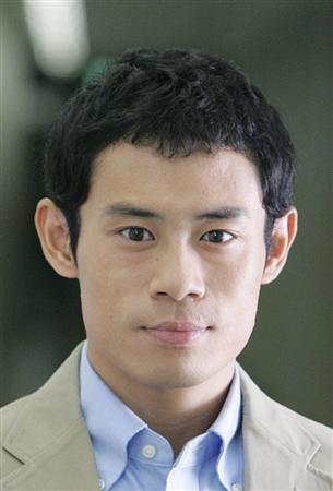 伊藤淳史の弟は、何を思って自殺という死を選んだのか・・・のサムネイル画像
