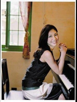 ピアノを演奏する女優 マルチな芸能人にせまる~松下奈緒編~のサムネイル画像