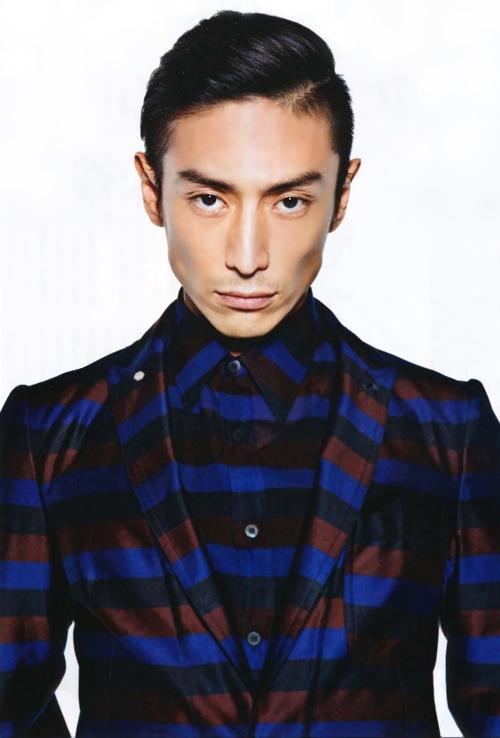 東京藝大卒のインテリ俳優・伊勢谷友介に隠された、父親の秘密とは…?のサムネイル画像