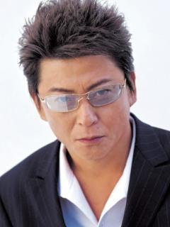 哀川翔と言えばメガネ!やっぱりプロデュースメガネもあった!!のサムネイル画像