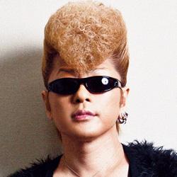 元ヤンキー芸能人の個性的な髪型に迫っていく【丸秘画像多数】のサムネイル画像