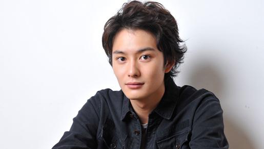 爽やかな笑顔が素敵すぎ!イケメン俳優・岡田将生さんの身長は?のサムネイル画像
