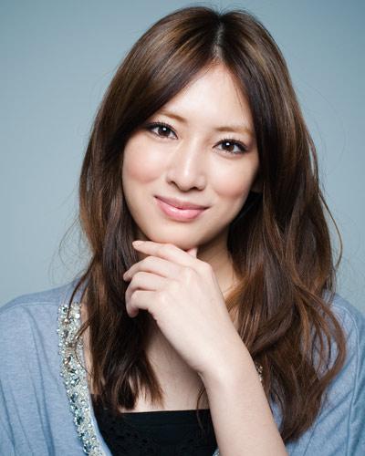【画像あり】北川景子がファンミーティングでミニスカサンタを披露!のサムネイル画像