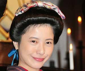 吉隆由里子【潜在視聴率女王】朝ドラ「花子とアン」で魅せた実力のサムネイル画像