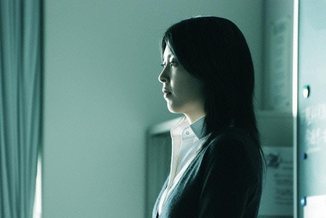 映画「告白」の松たか子の無表情が怖い!気になるあらすじと出演者のサムネイル画像