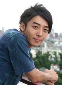 ドラマで活躍している高橋一生さん。熱愛彼女との過去の熱愛!のサムネイル画像