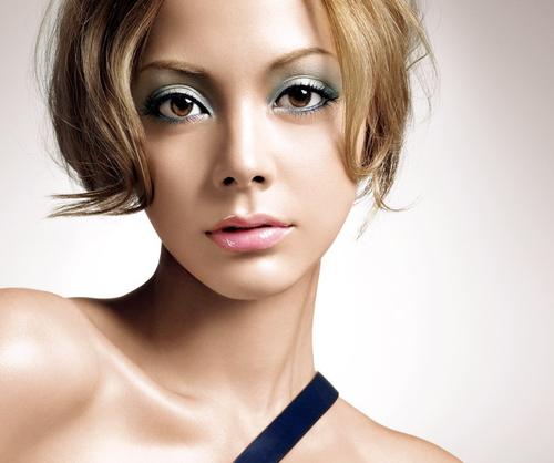 歌手に女優に幅広く活躍中!土屋アンナの出演映画4選をご紹介!のサムネイル画像
