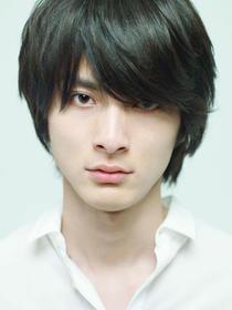 俳優として注目されている高良健吾さんの過去の熱愛彼女と現在!のサムネイル画像