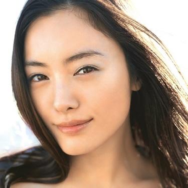 人気美人女優仲間由紀恵の愛車が実はめちゃくちゃカッコいい!のサムネイル画像