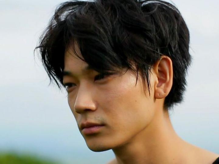 人気イケメン俳優の綾野剛さんの体重はいくつ?徹底調査します!のサムネイル画像