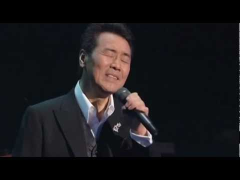 演歌の大御所!歌手・五木ひろしのカラオケ人気曲を紹介!!のサムネイル画像
