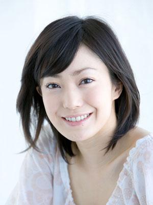 女性らしくて美しい!菅野美穂から学ぶスリムなスタイルキープ法のサムネイル画像