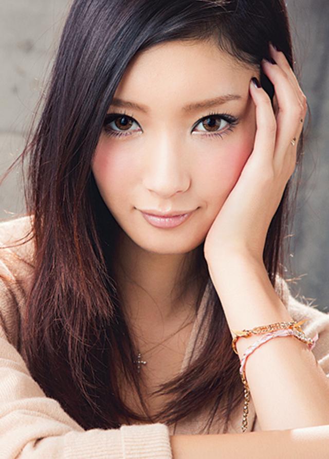 【画像あり】モデルで女優の菜々緒さんになりたい。メイクのまとめのサムネイル画像