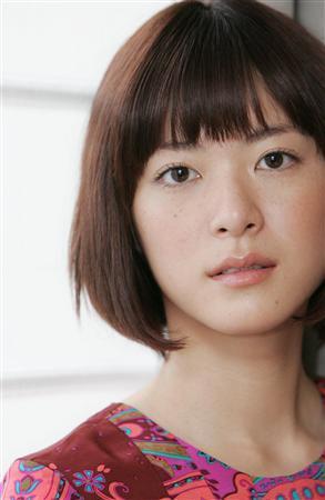 のだめで有名な上野樹里さん、濃厚なキスは唇にかぶりつくの???のサムネイル画像