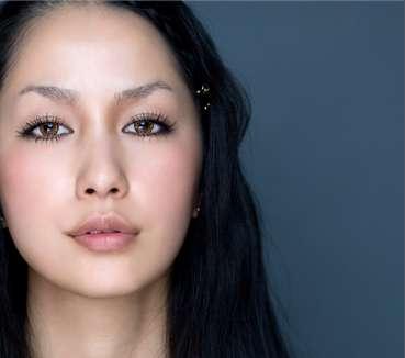 個性的で美人で可愛い!大人気の歌手、中島美嘉のメイクに迫るのサムネイル画像