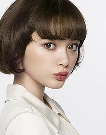 女子中学生に人気がある玉城ティナの髪型画像をまとめてみましたのサムネイル画像