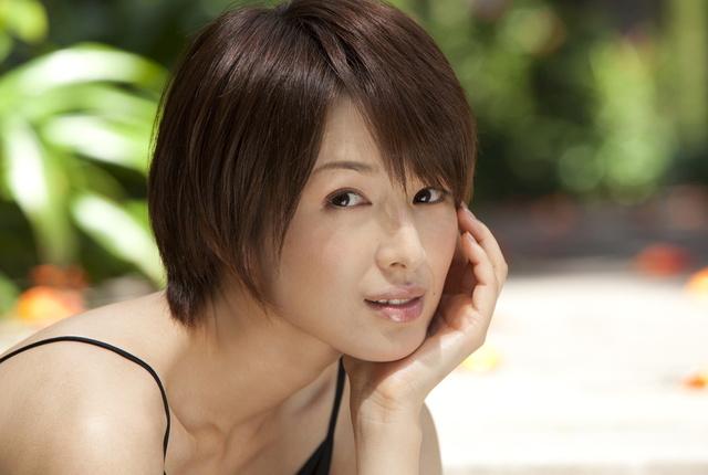 上品な大人美☆艶やかで色っぽい吉瀬美智子のメイク方法を学ぼう!のサムネイル画像