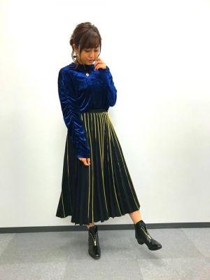 ミニスカート姿の菊地亜美さん