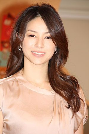 この髪型ぜひ真似したい!40代芸能人女性①井川遥さん