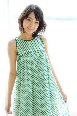 洋服が素敵な葵わかなさん