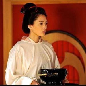 綾瀬はるか出演ドラマ「jin」あの俳優と共演NG!?ドラマの内容は?の画像