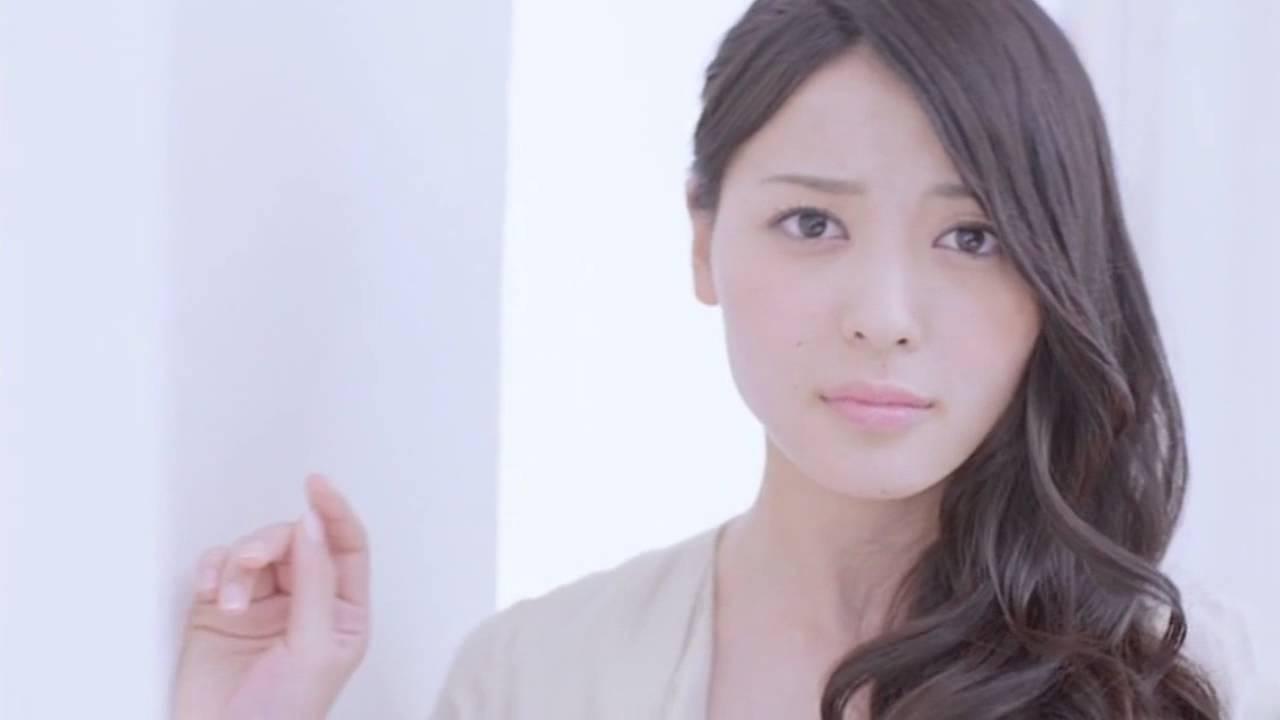 ℃-uteのリーダー矢島舞美の腹筋の割れ方が凄いとネットで話題に!のサムネイル画像