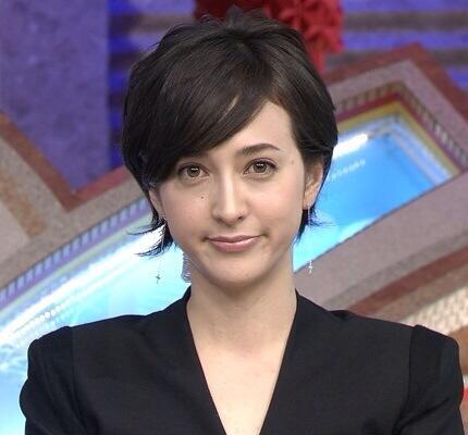 滝川クリステルさんのクールビューティな髪型を真似したい!のサムネイル画像