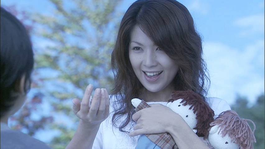 ホスト通いの過去も今は幸せ!飯島直子の再婚相手はどんな人?のサムネイル画像