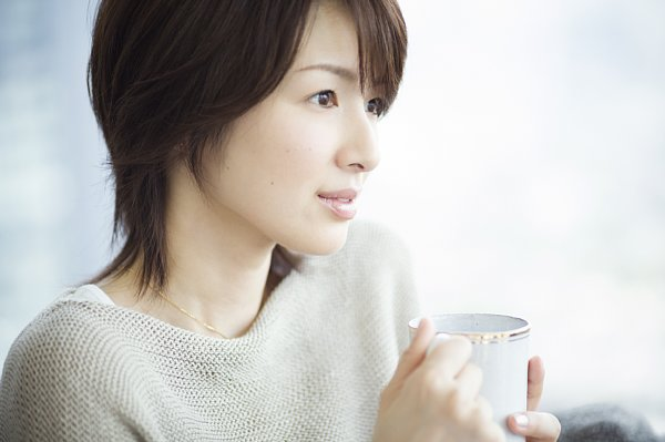美しい40代!年齢を重ね輝きを増す吉瀬美智子と同年代の芸能人は誰?のサムネイル画像