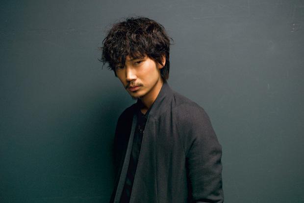 実力派の若手俳優・綾野剛さんは陸上競技選手だったって本当?のサムネイル画像