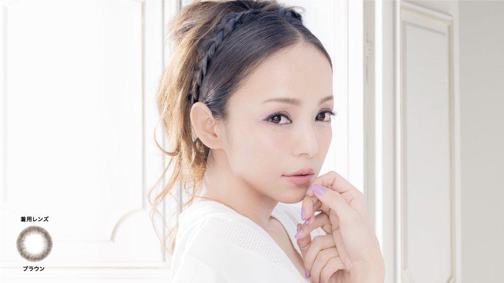 大流行の兆し?!安室奈美恵もお気に入りの《カラコン》ついに登場のサムネイル画像
