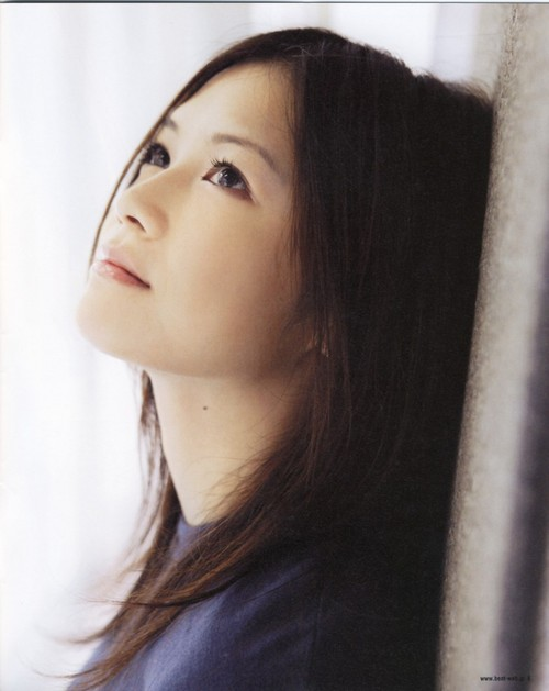 【yui】一般男性との結婚と妊娠を報告!パニック障害&世間の反応はのサムネイル画像