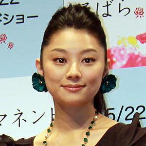 抜群の演技力で朝ドラの功労者!小池栄子グラドルから演技派女優へのサムネイル画像