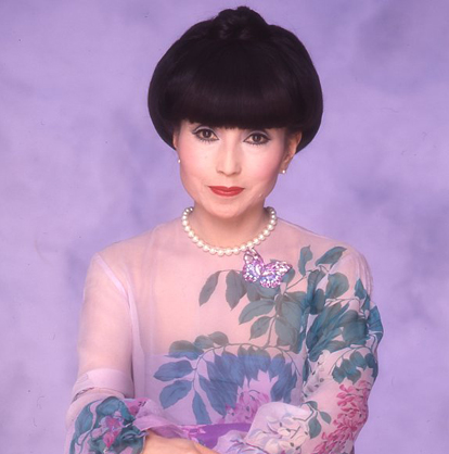 黒柳徹子の若い頃が美人すぎる!美の秘訣と結婚しない理由に注目!のサムネイル画像
