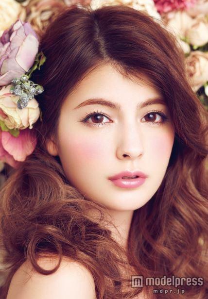 Like a doll☆可愛いマギーの髪型をマネしたい人必見!のサムネイル画像