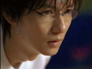 超個性派俳優 井浦新さん カッコいい!驚き!のヘアスタイル画像のサムネイル画像