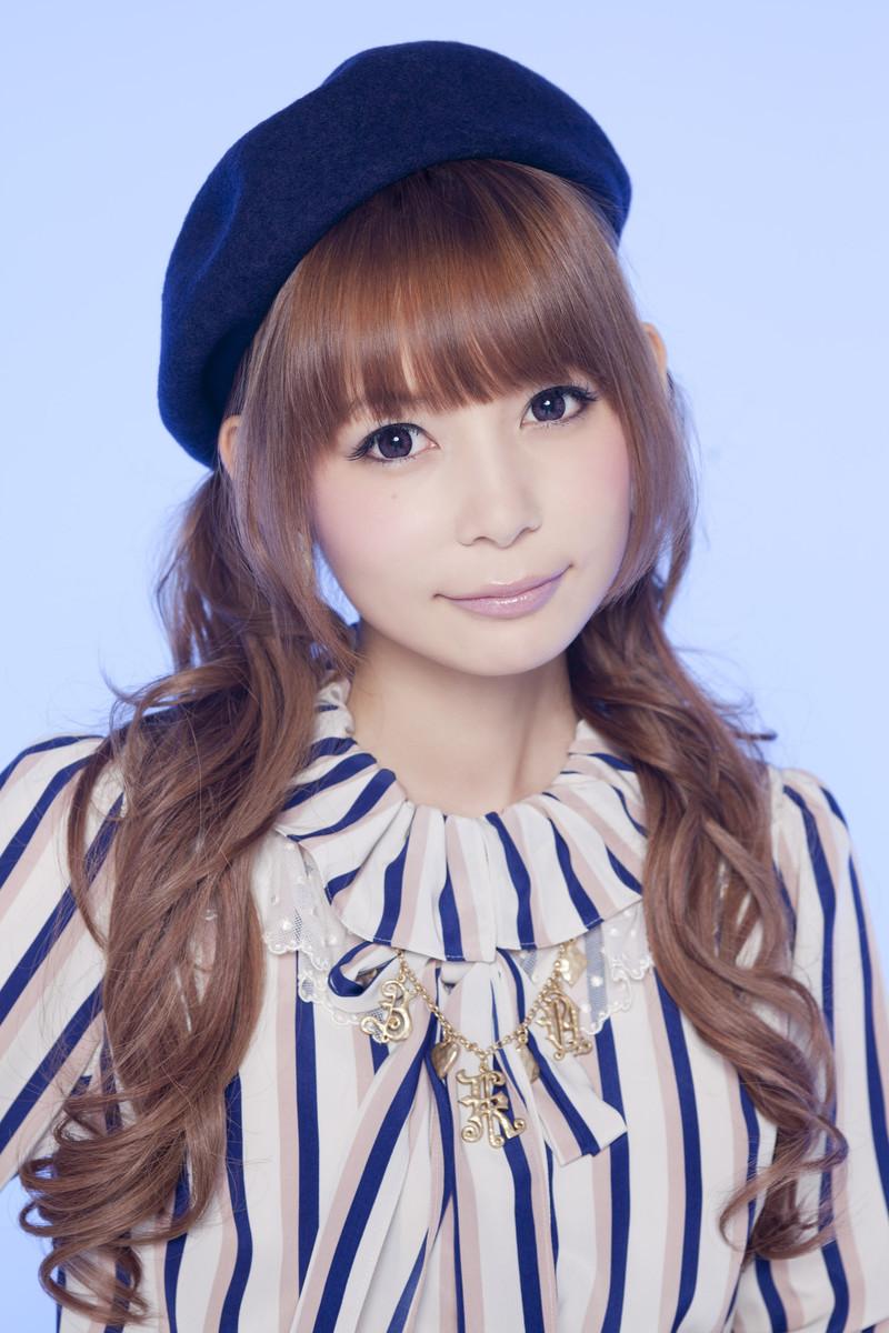 【Cカップ】しょこたんこと中川翔子の胸がギザセクシー!【エロい】のサムネイル画像