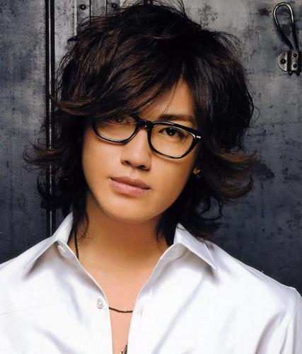 イクメンとも噂される赤西仁さんの子供「ティア」ちゃんとは?のサムネイル画像