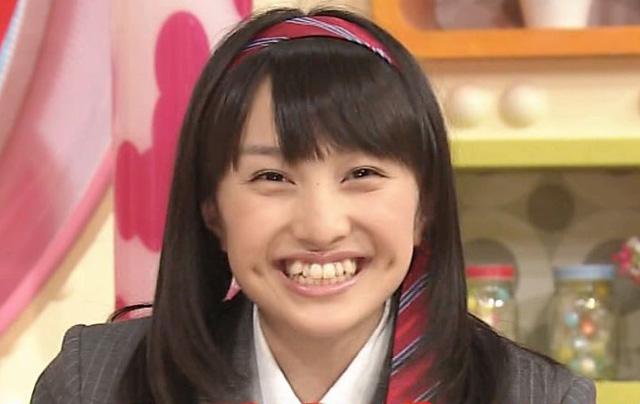 ももクロ☆百田夏菜子さんの胸は残念ながら貧乳。でも笑顔は最高ですのサムネイル画像