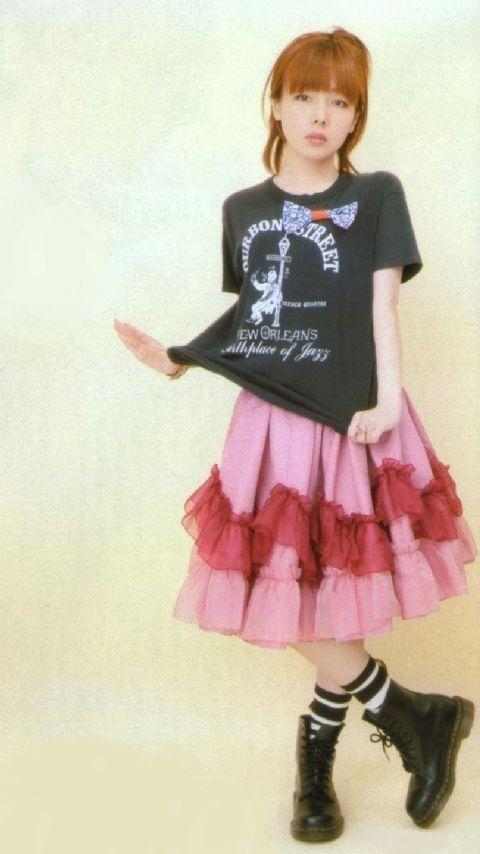 大人可愛い髪型♡aikoに学ぶ《抜け感》たっぷりヘアスタイルのサムネイル画像