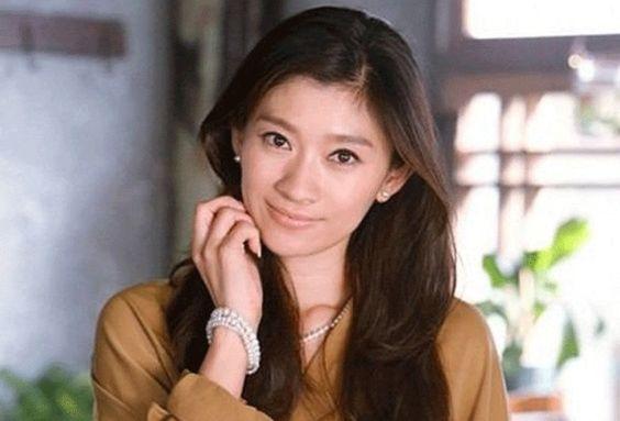 これなら真似出来そう!永遠の姉御美人篠原涼子の美髪型を教えます!のサムネイル画像