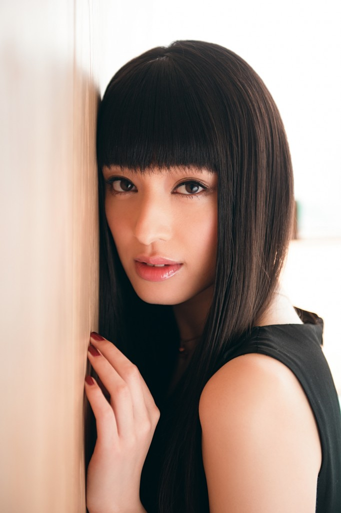 ツヤさらロングだけじゃない!色々あります、栗山千明さんの髪型!のサムネイル画像