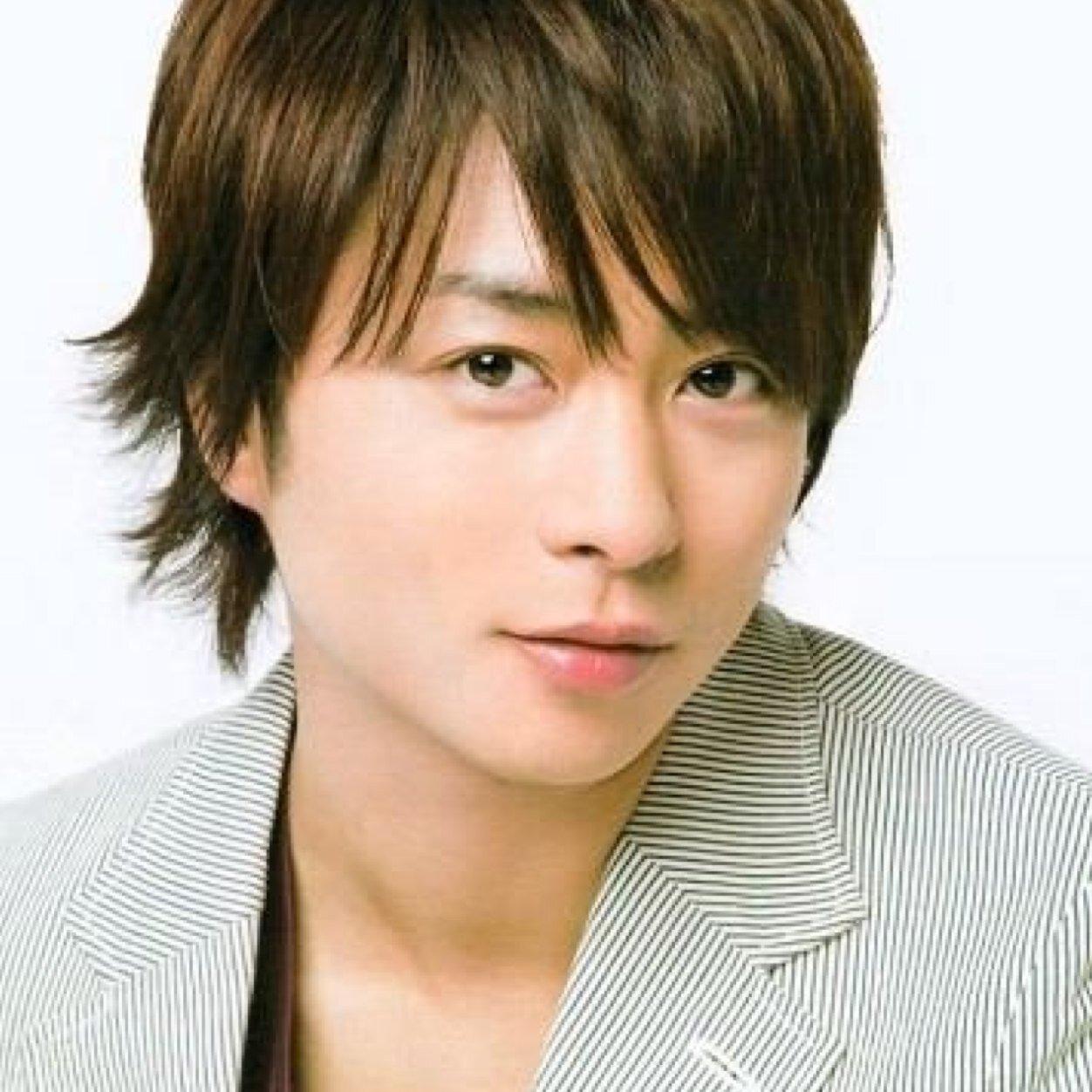 国民的アイドル!嵐のメンバー・櫻井翔のプロフィール全部見せます!のサムネイル画像