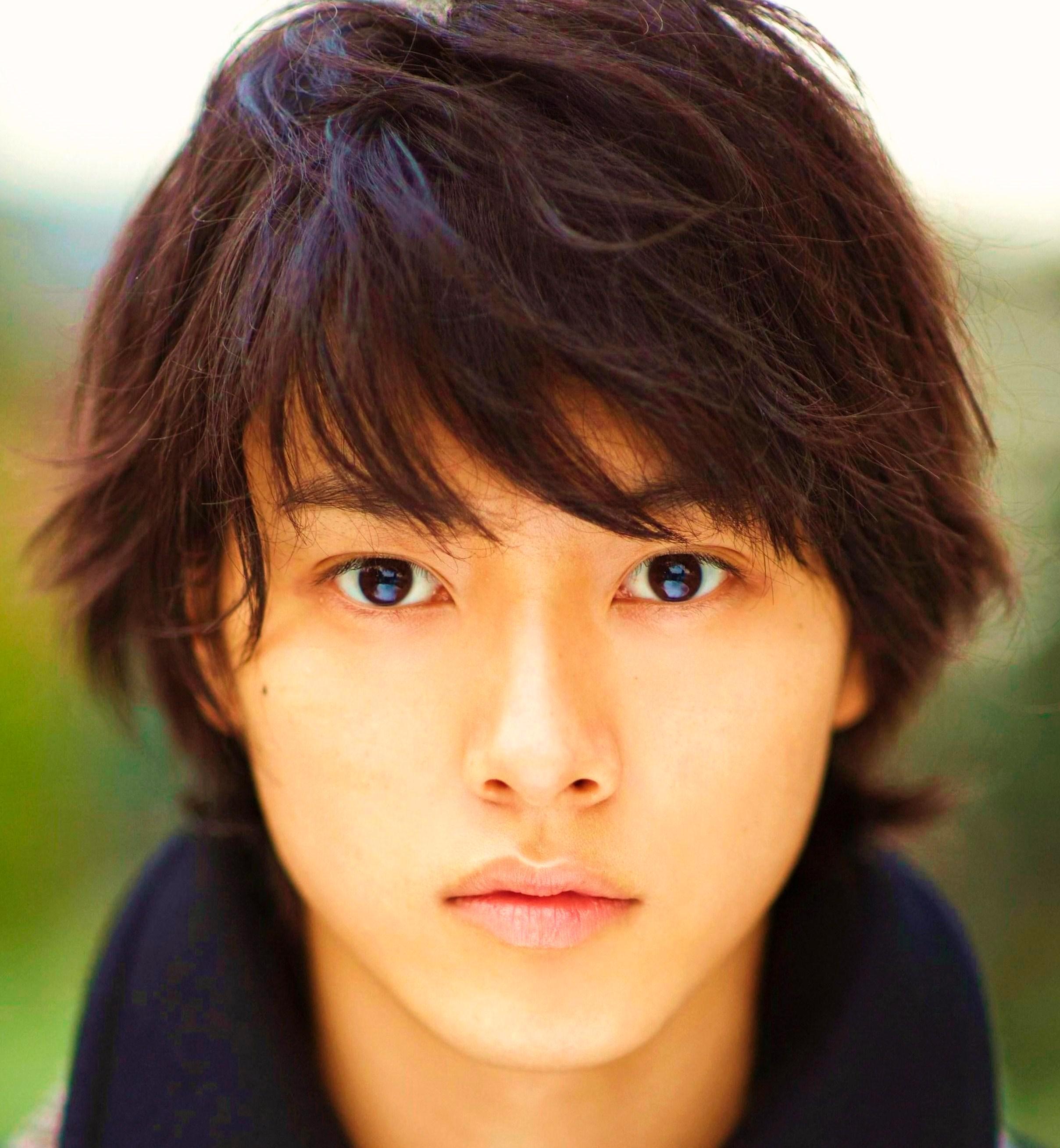 「まれ」に出演中の山崎賢人さんの髪型チェック!!校則にも対応?!のサムネイル画像